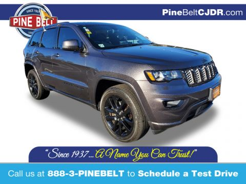 Pre-Owned 2017 Jeep Grand Cherokee Altitude 4WD SUV