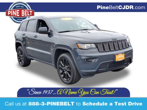 Pre-Owned 2018 Jeep Grand Cherokee Altitude 4WD SUV